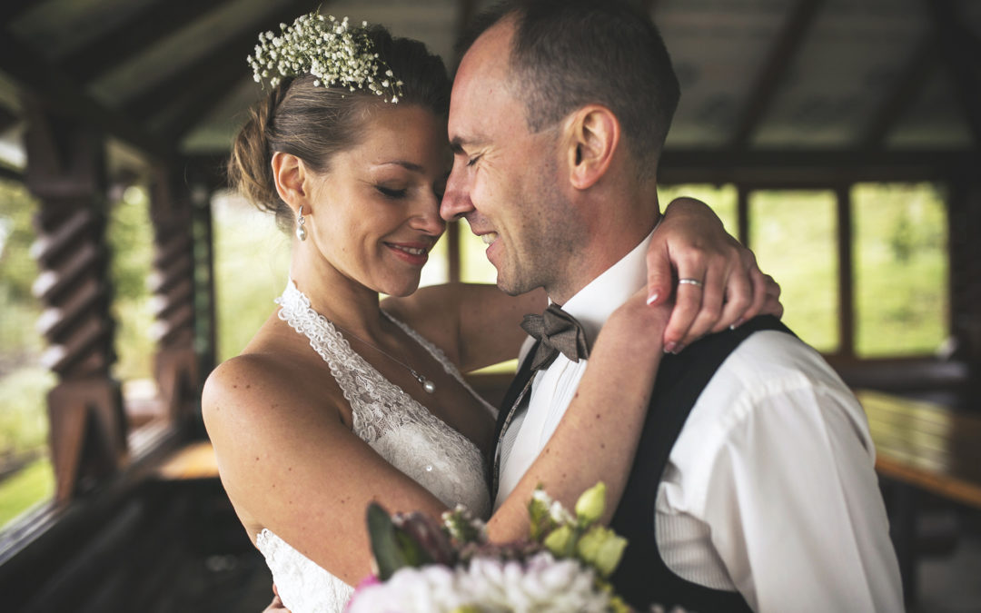 Powerful Wedding Photography Tips & Ideas: The Complete Guide